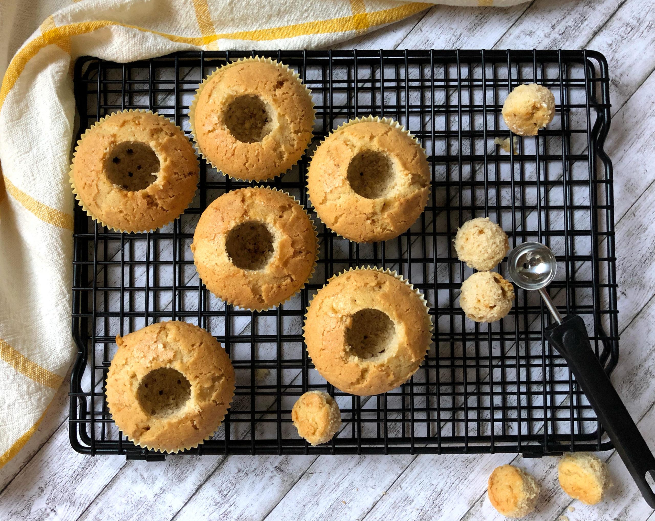 Apfel-Hagebutte-Cupcakes vor der Füllung