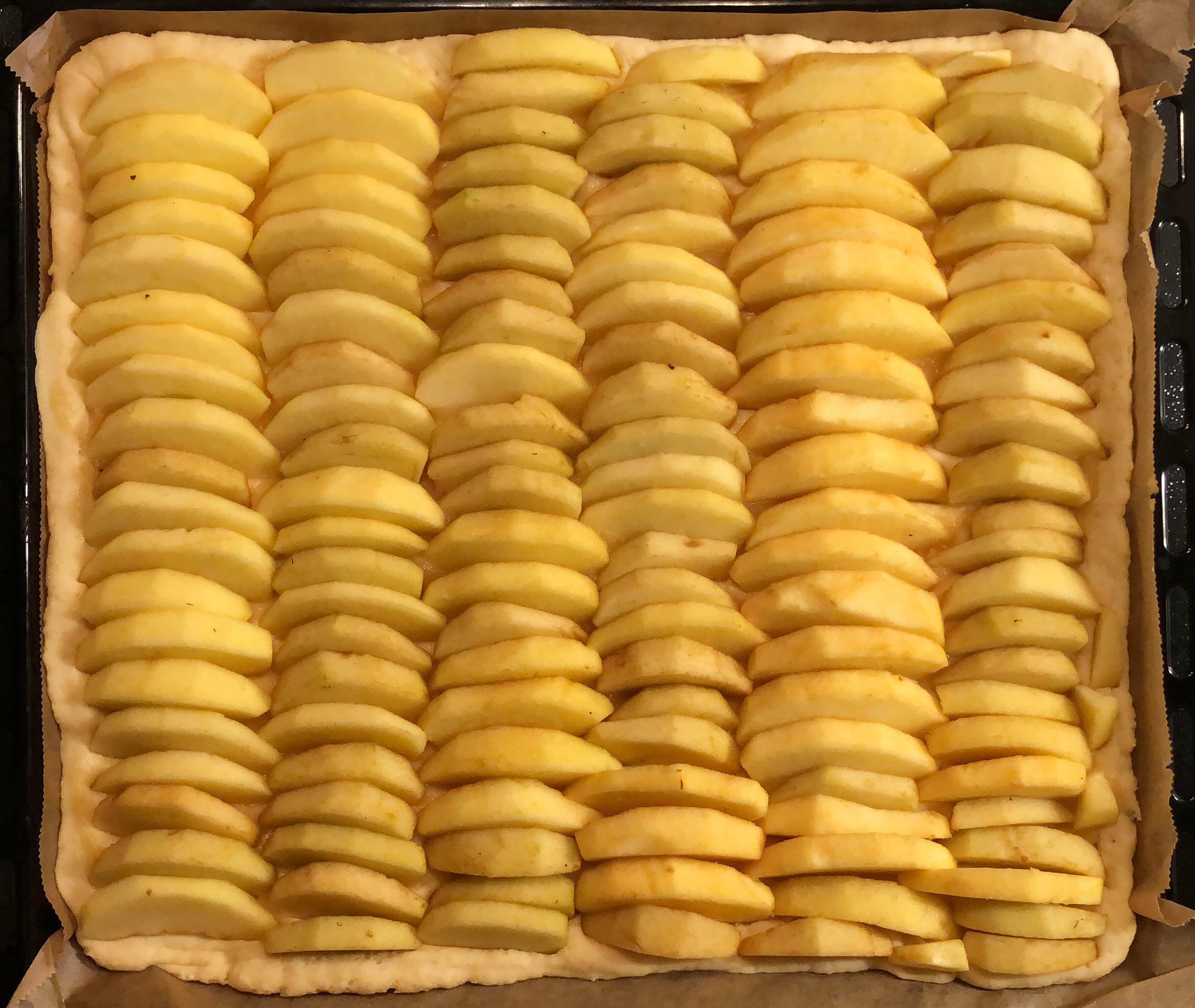 Apfelkuchenblech ohne Streusel